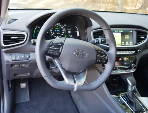 2017 Hyundai Ioniq Hybrid 30