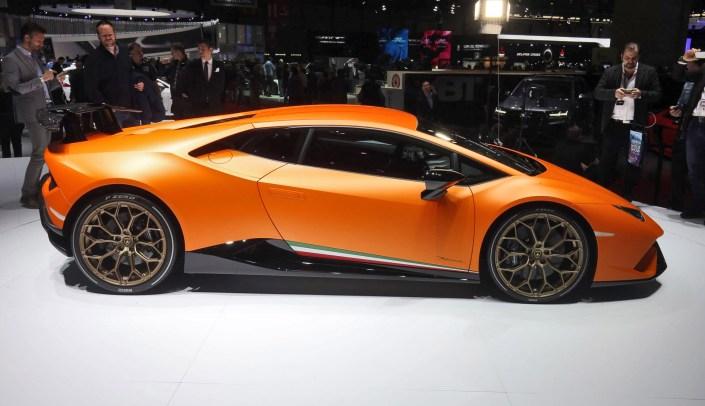 2017 Lamborghini Huracan PERFORMANTE 1