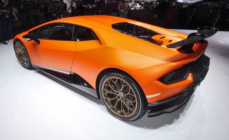 2017 Lamborghini Huracan PERFORMANTE 5