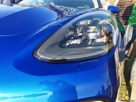 2017 Porsche Panamera TURBO Exterior 14