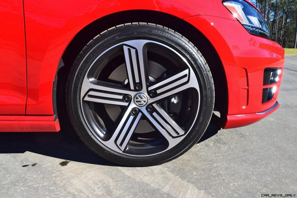 2017 VW Golf R Review 9