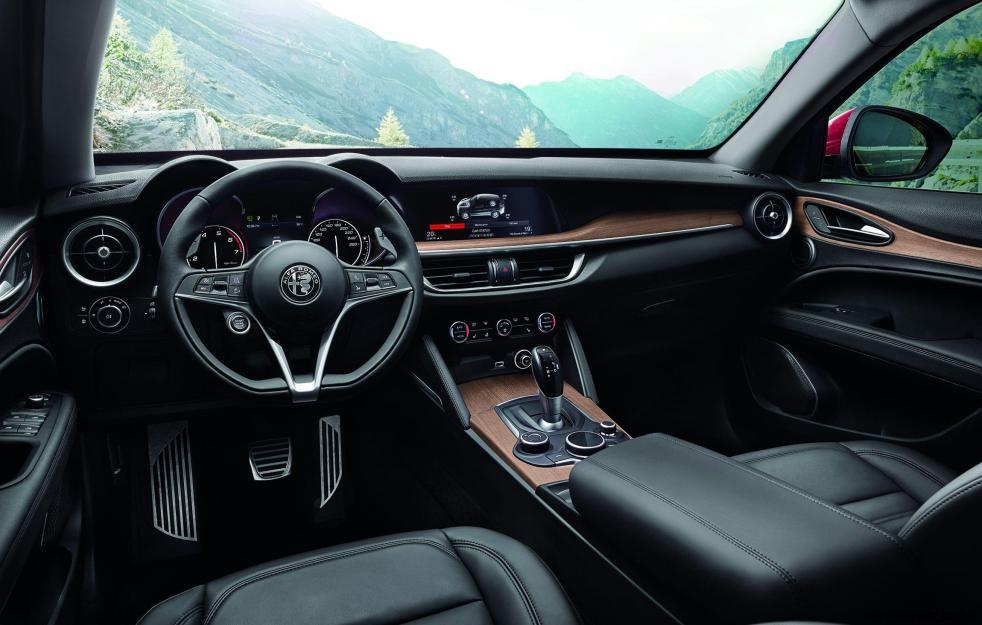 2018 Alfa Romeo STELVIO65