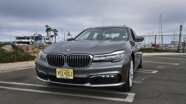 2017 BMW 740e 11