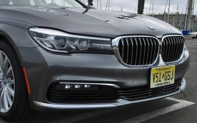 2017 BMW 740e 13