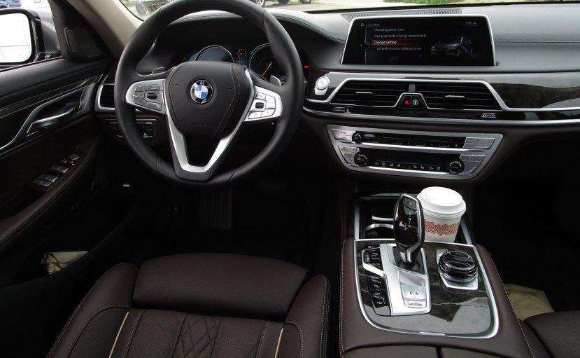 2017 BMW 740e Interior 20