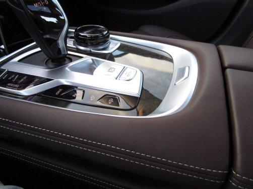 2017 BMW 740e Interior 37