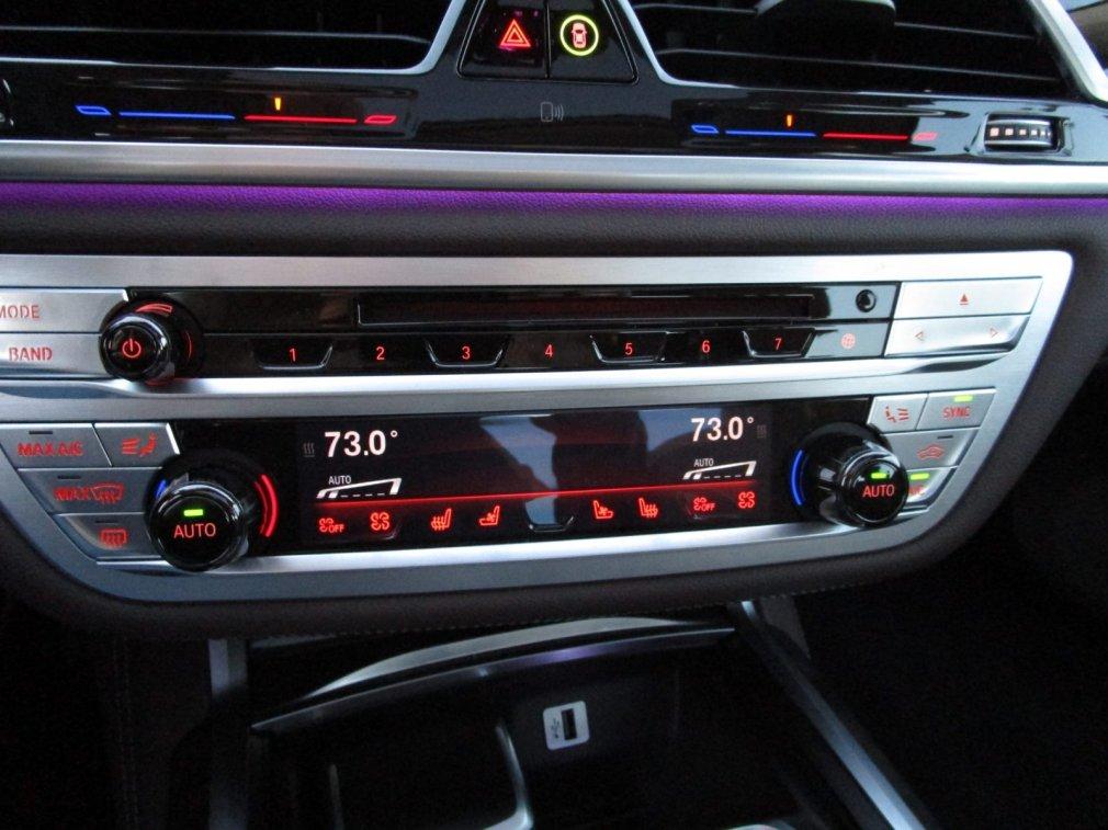 2017 BMW 740e Interior 4