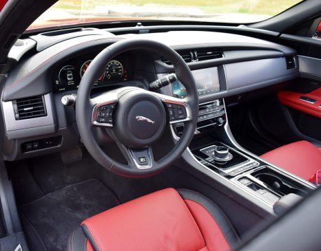 2017 Jaguar XF 35t AWD R-Sport 37