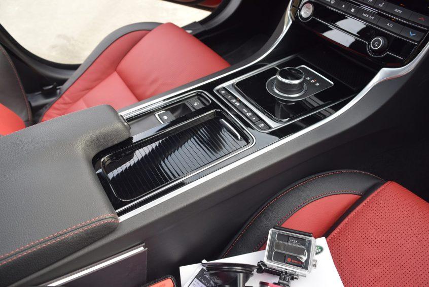 2017 Jaguar XF 35t AWD R-Sport 48