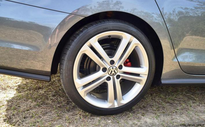 2017 VW Jetta GLI DSG Automatic - HD Road Test Review 44
