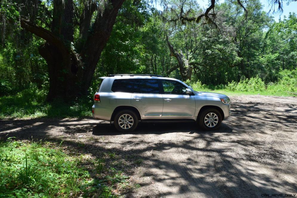 2017 Toyota LAND CRUISER 30