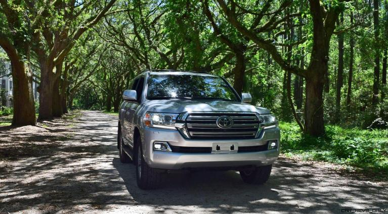 2017 Toyota LAND CRUISER Oak Driveway 1