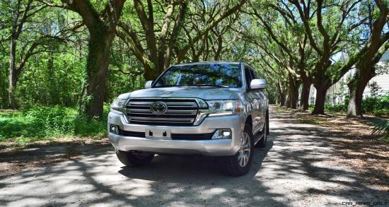 2017 Toyota LAND CRUISER Oak Driveway 16