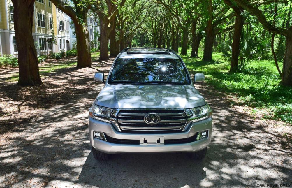 2017 Toyota LAND CRUISER Oak Driveway 3