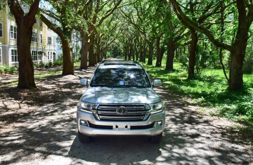 2017 Toyota LAND CRUISER Oak Driveway 4