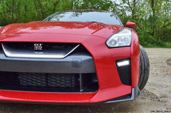 2017 Nissan GT-R Review 12