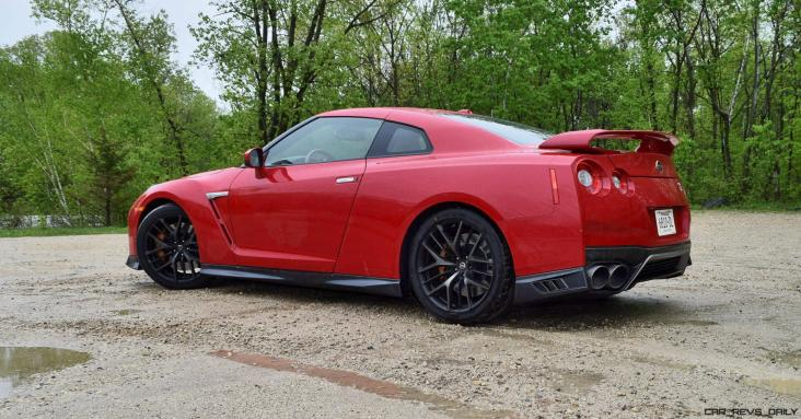 2017 Nissan GT-R Review 33