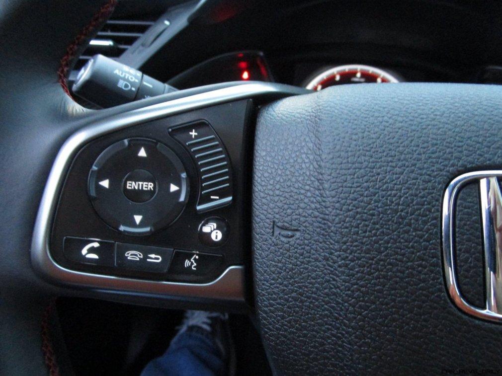 2017 Honda Civic Si Sedan INTERIORS 10