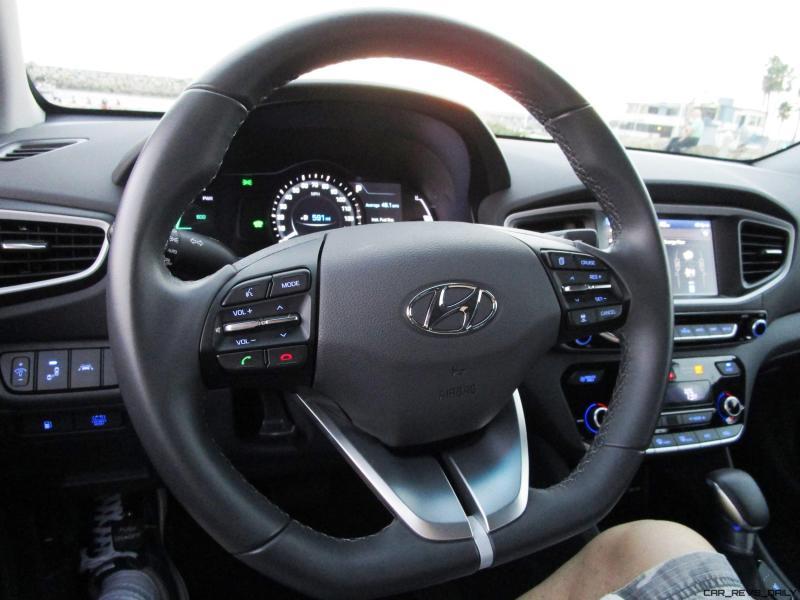 2017 Hyundai Ioniq Hybrid SEL INTERIOR 7
