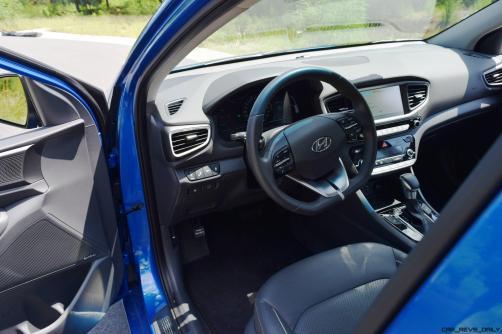 2017 Hyundai Ioniq Hybrid INTERIOR 1