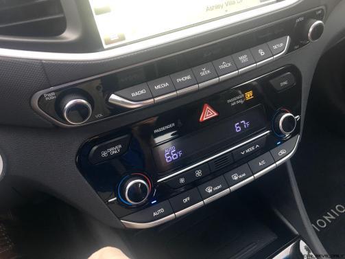 2017 Hyundai Ioniq Hybrid INTERIOR 12