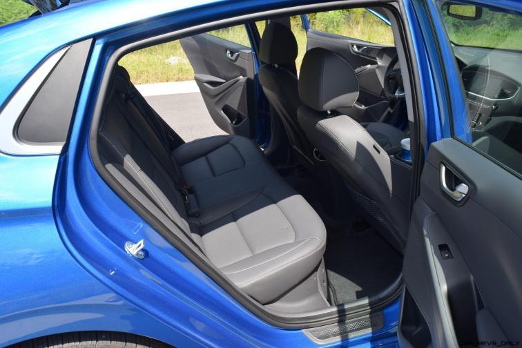 2017 Hyundai Ioniq Hybrid INTERIOR 8