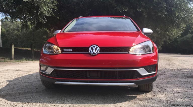 2017 VW Golf Alltrack S 24