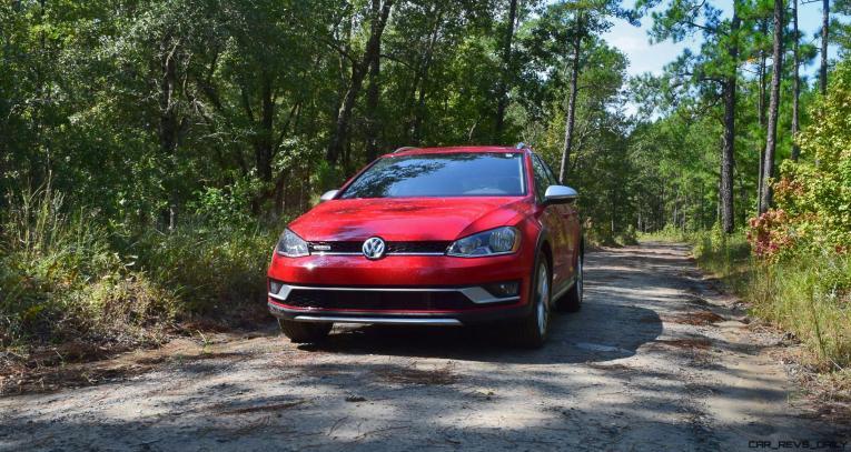 2017 VW Golf Alltrack S 4