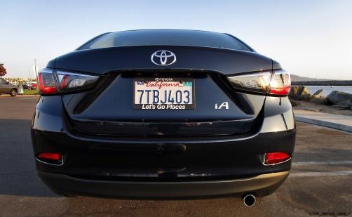 2017 Toyota Yaris iA 6