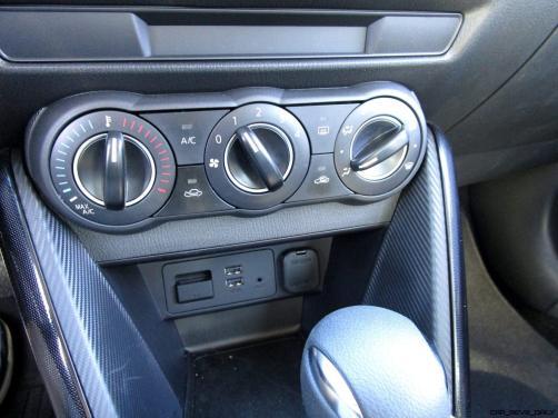 2017 Toyota Yaris iA14