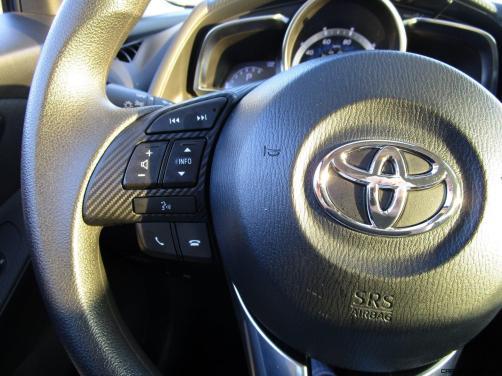 2017 Toyota Yaris iA8