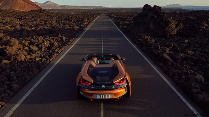 P90285407_highRes_the-new-bmw-i8-roads