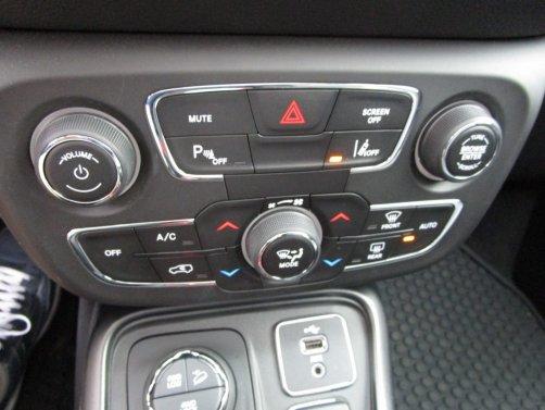 2017 Jeep Compass Interior 17