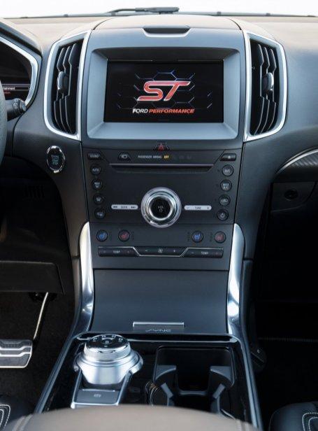 2019-Ford-Edge-ST-8