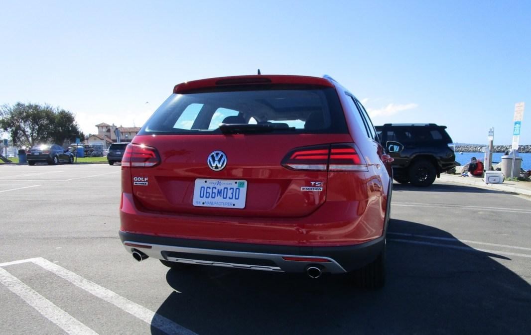 2018 VW Golf Alltrack Exterior 13