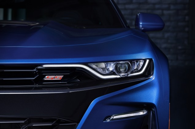 2019-Chevrolet-CamaroSS-006