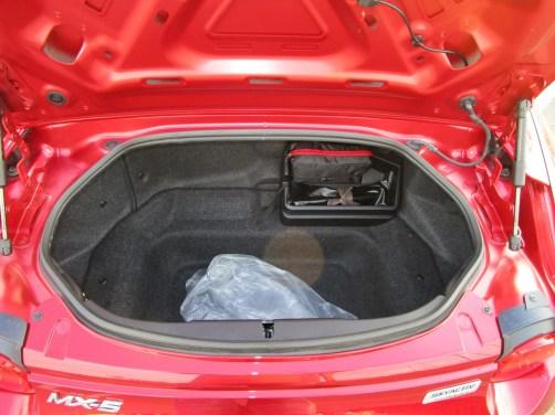 2018 Mazda MX-5 Miata RF - Interior Photos 1