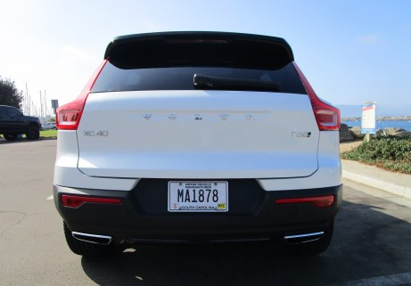 2019 Volvo XC40 T5 AWD R-Design 8