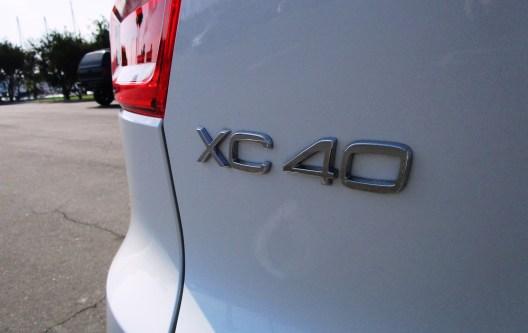 2019 Volvo XC40 T5 AWD R-Design 9