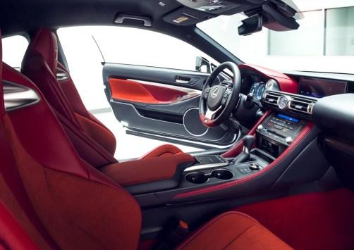 2020_Lexus_RC_F_Track_Edition_13_51876110EE55C8AC58BBC7C3CA0501C34B856018