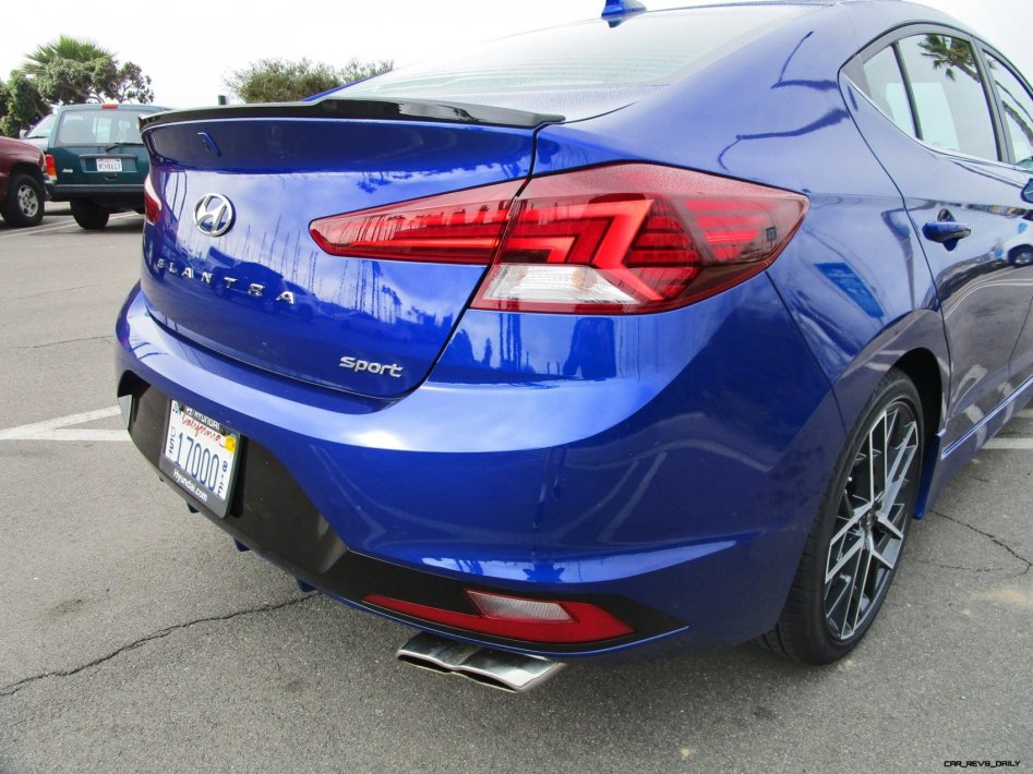 2019 Hyundai Elantra Sport 6MT 22