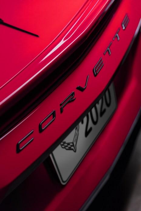 2020-Chevrolet-Corvette-Stingray-039