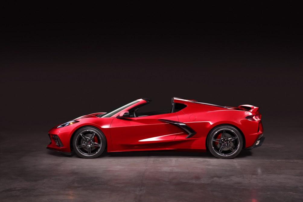 2020-Chevrolet-Corvette-Stingray-042