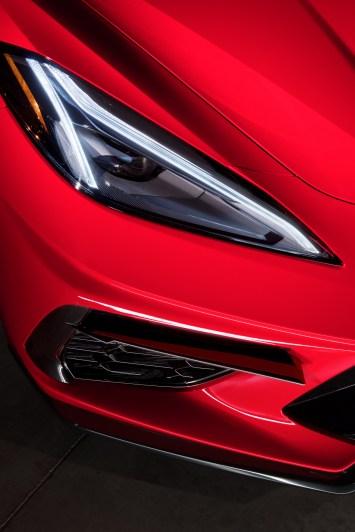 2020-Chevrolet-Corvette-Stingray-049