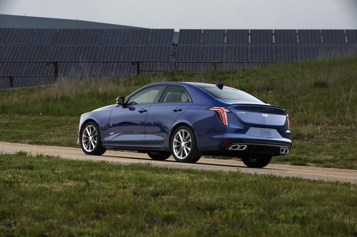 2020-Cadillac-CT4-V-002