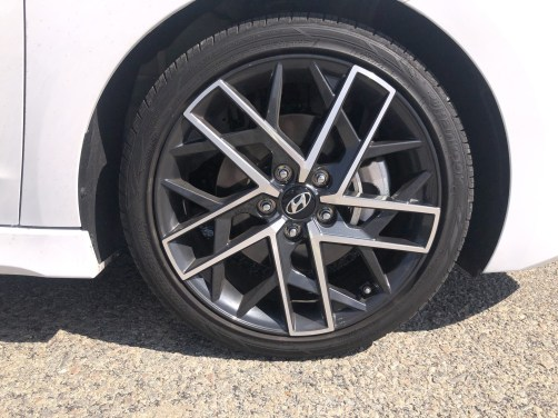 2019 Hyundai Elantra Sport (1)