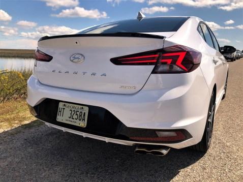 2019 Hyundai Elantra Sport (9)