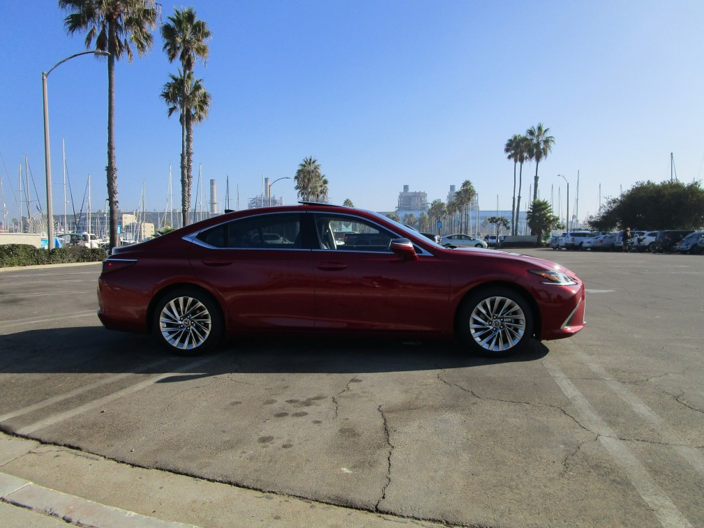 2019 Lexus ES350 Ultra Luxury Red (10)