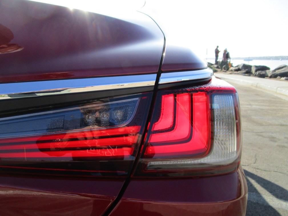 2019 Lexus ES350 Ultra Luxury Red (14)