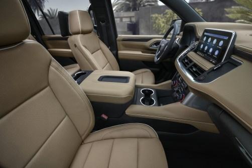 2021 Chevrolet Suburban-010